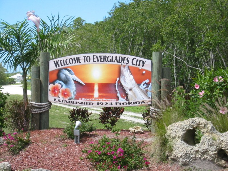 001_Everglade_City_sign